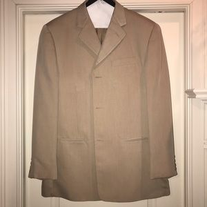 Bacharach men's Italian suit.